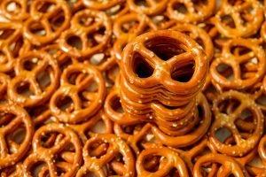 pretzels, baked goods, crispy-2759994.jpg
